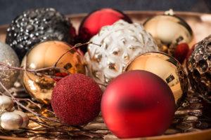 Weihnachtkugeln Deko in Rot-Gold